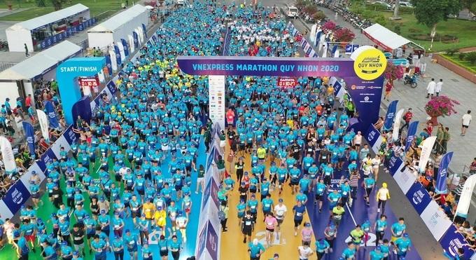 Runner prepares to start at VnExpress Quy Nhon 2020. Photo: VnExpress Marathon